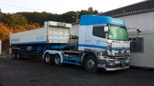 産業廃棄物収集運搬車